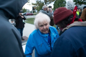 Canada : Antifa thugs abuse frail old woman on walking frame at PPC event