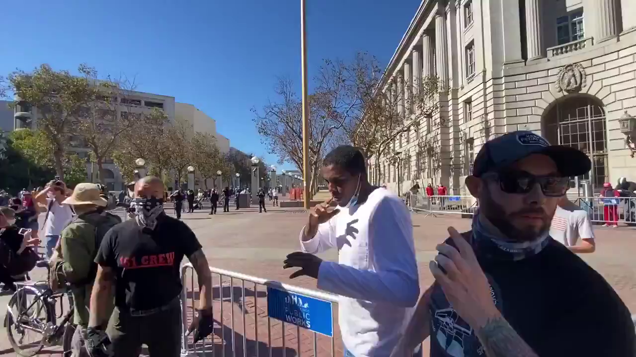 San Francisco - Free Speech Organiser gets teeth knocked out in violent assault