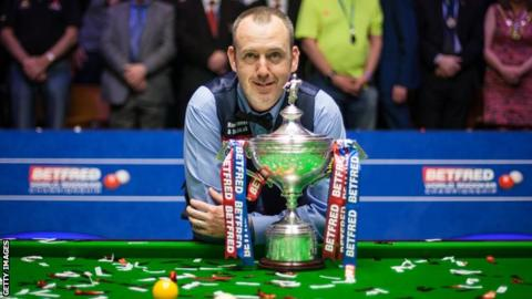 Players Championship: Mark Williams and Neil Roberston in quarter-finals