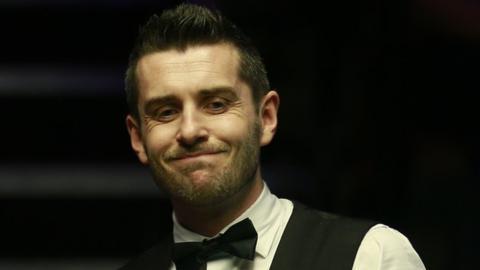 Allen starts International Championship defence with win