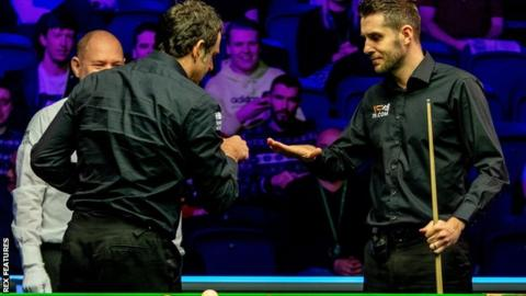 Scottish Open: Mark Selby knocks out Ronnie O'Sullivan in Glasgow