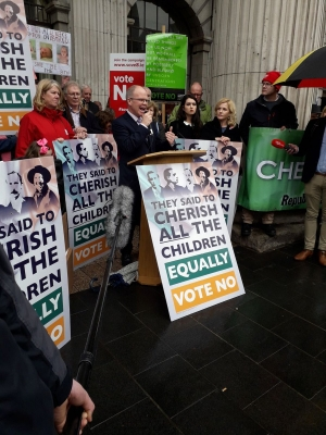 Anne and Francie Brolly launch Republicans for No at GPO