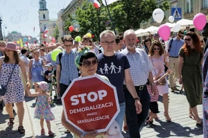 Poland -  Thousands take part in Rallies against Sexualization in Schools