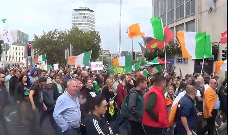Video : Thousands take part in Anti Lockdown rally in Dublin