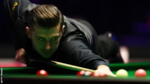 China Open 2018: Defending champion Mark Selby through to final against Barry Hawkins