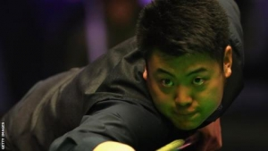 Liang makes 147 - then misses easy final black on 140