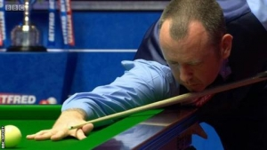 World Snooker Championship final: Mark Williams leads John Higgins at the Crucible