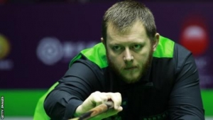 Scottish Open: Mark Allen snatches 6-5 semi-final win over Daniel Wells