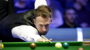 World Grand Prix: Judd Trump beats Ali Carter 10-6 to win World Grand Prix