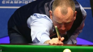 World Championship 2019: Reigning champion Mark Williams in control of opener