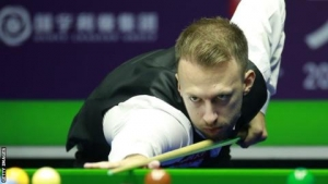 Judd Trump to play Mark Selby in International Championship semi-finals in China