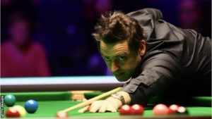 Welsh Open: Ronnie O'Sullivan eases into semi-finals
