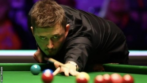 Welsh Open: Kyren Wilson beats Ronnie O'Sullivan 6-5 in first semi-final
