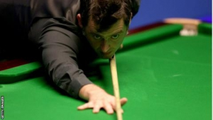 O'Sullivan lets spectator take shot after she runs around table