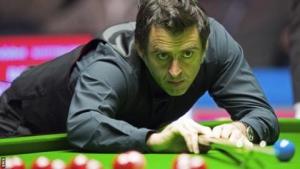 Scottish Open: Ronnie O'Sullivan & John Higgins reach third round
