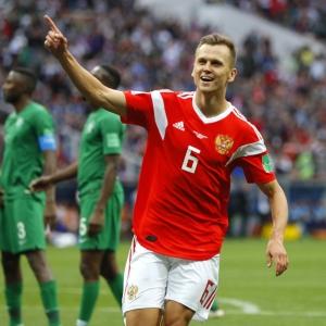 Cheryshev, Golovin thrive as Russians revel