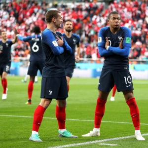 Mbappe sends France forward, Peru's hopes ended